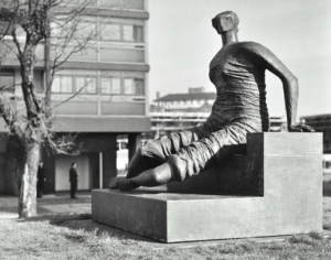 A Seated Draped Woman, Henry Moore (1962) Located in Stifford Estate, Tower Hamlets © LCC Photograph Collection