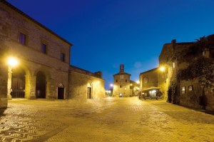 Piazza del Pretorio, the main square of Sovana © Municipality of Sorano