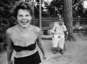 William Klein, Bikini, Moscow, 1959 © William Klein