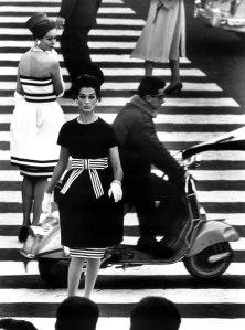 Piazza di Spagna, Rome 1960 © William Klein