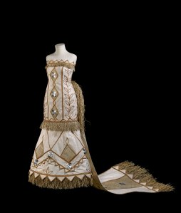 Barkcloth wedding dress by Samoan designer Paula Chan Cheuk, New Zealand, 2014, commissioned with support from the New Zealand Society UK and private donors © The Trustees of the British Museum