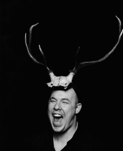 Portrait of Alexander McQueen 1997 © the V&A Museum, London.