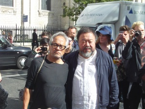 Ai Weiwei and Anish Kapoor at the St. Paul's Cathedral, London, walk in solidarity of refugees co. the artists ® London Art Reviews