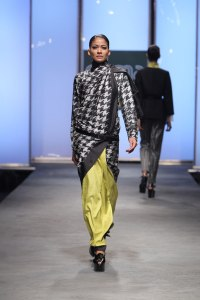 Houndstooth sari by Abraham and Thakore, double ikat silk, Hyderabad, 2011, ph. co. Abraham Thakore